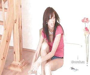 ژاکلین میلف ایالات متحده از عروسک صورتی کاملا باز خود مراقبت xxx زن کیردار می کند
