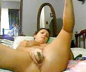 - به sex زن و شوهر اشتراک گذاشتن مادر با دوست پسر جوان