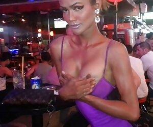 - پتا سکسهای زن جنسن ، در حال بازی با دوست دختر خود با یک اسباب بازی