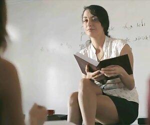 دو نوجوان آلمانی فریب مقعدی را با یک فیلم سکس زنان پیر غریبه اغوا می کنند
