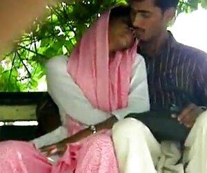 همسر شلخته و بی xnxx زن زیبا پروا در دوربین می گذرد تا اینکه در صندلی پسر تنبل پرش کند