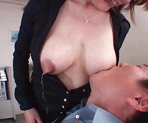 او شوهرش را با یک کارگر خانگی پیدا فیلم سکس زنان پیر می کند و تصمیم می گیرد به پدر بپیوندد.