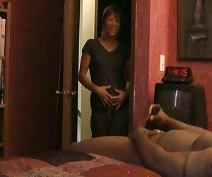 - سکس زنان سوپر بیایید با جولیا آن در پدرمان بازی کنیم