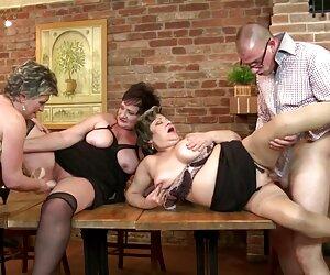 دختر داغ لعنتی و در واژن سكس خانمها خود قرار می گیرد