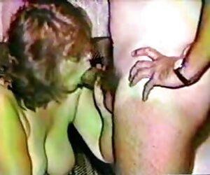 4- لیای کوچک دیک sex زن چاق خواهش می کند